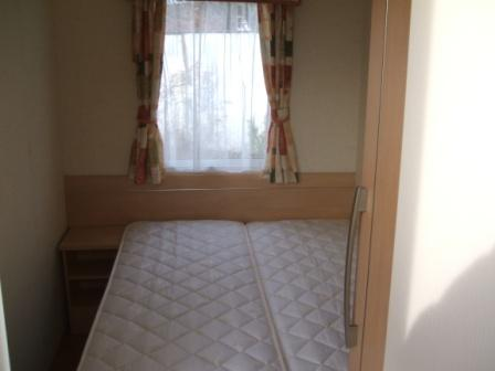 Twin bedoom made as double